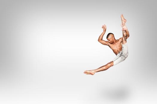 dancer-jumping-doing-a-tilt-1632059